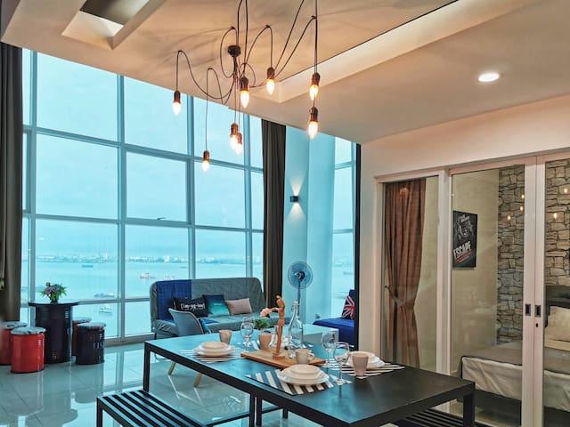 VICTORIA | Cosy Sunrise Seaview Duplex | 温暖海景双层套房