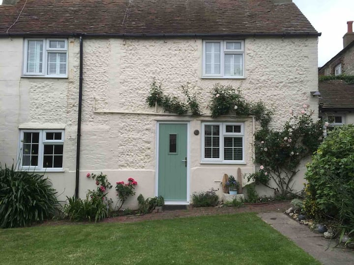 Seaside Cottage in the Heart of Rottingdean