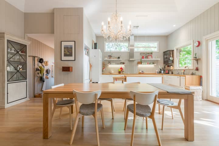 Luxury Sandstone Home in Leafy Stepney, CBD Fringe