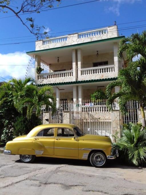 Hostal Casa Feliz (Front)