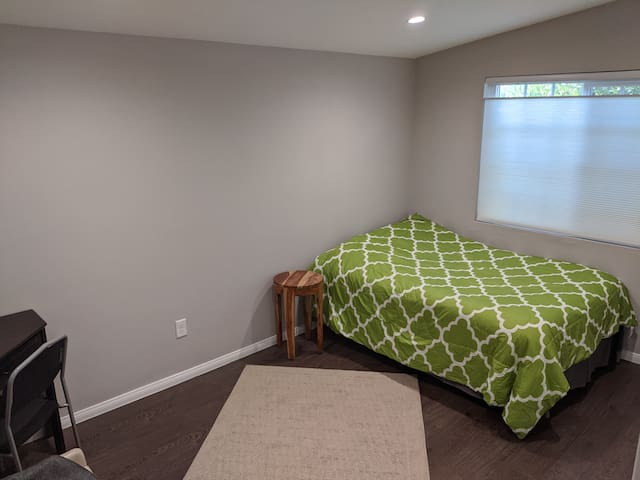 Private Room for rent in North Valley home!