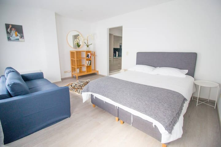 Studio 2 · Self Check-In studio & Netflix & 10min→grand place