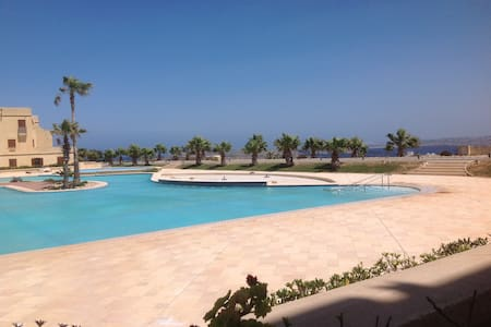 New luxury apartment with direct pool-/sea-view - Gozo - Pis