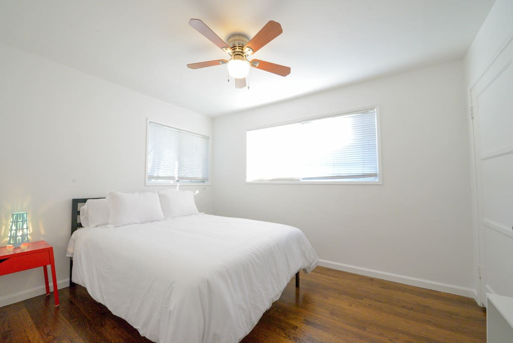 Bedroom with queen size bed and memory foam mattress