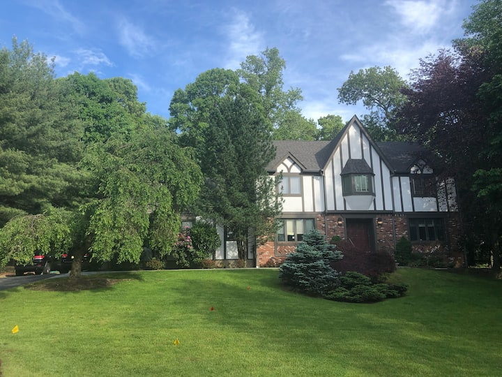 Secluded 4br w/gym 30 mins to NYC