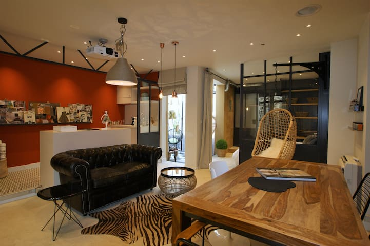 Superb loft by an interior decorator in the center - L'Isle-sur-la-Sorgue - Apartment