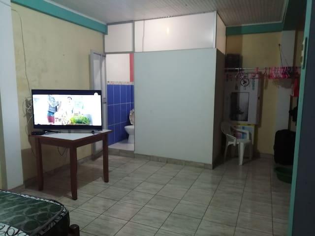 Habitación privada con todos los servicios, seguro
