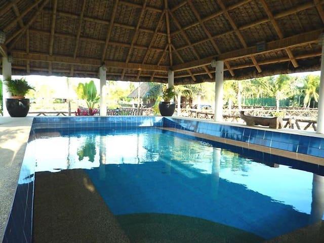2 BR family in Los Banos resort - Los Baños - Cabaña