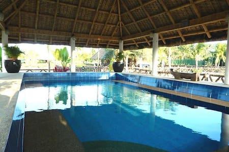 2 Big BR family in Los Banos resort - Los Baños