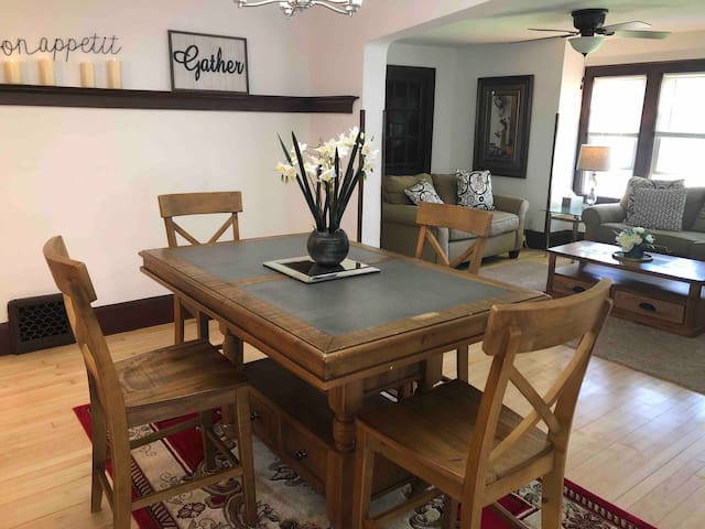 2 BR , Near MILLER PARK and downtown