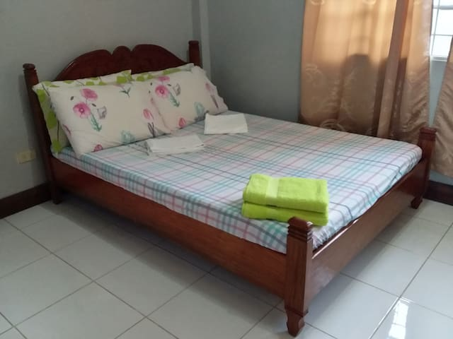 Private Room in Coron Town Proper with Wifi