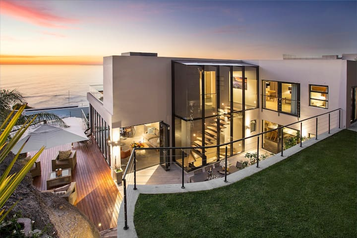Luxury contemporary house, Bantry Bay