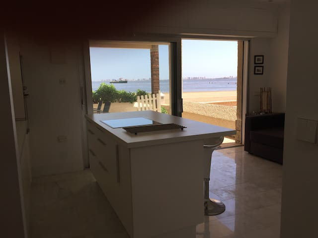 Apartamento minimalista a pie de playa - Los Nietos - Condomínio