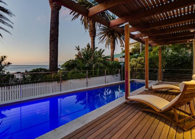 Luxury Villa - Clifton 4th Beach