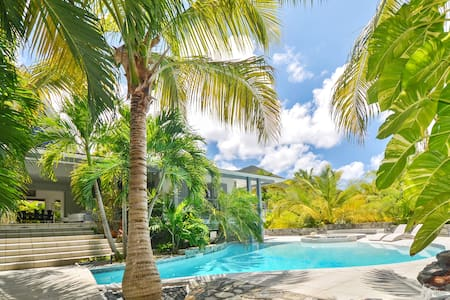 Beautiful Naturist suite with independent access from the tropical garden - Saint-Martin