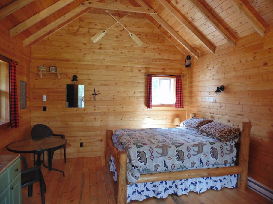 One room cabin with double log bed