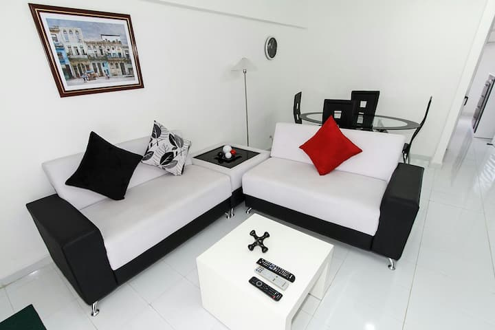 Apartamento moderno, fresco y tranquilo.