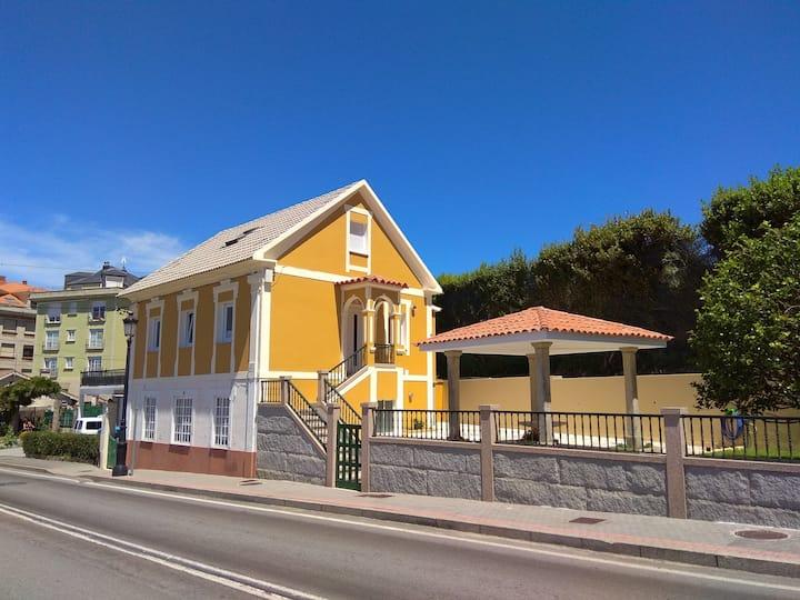 Amplia casa con fantásticas vistas e instalaciones