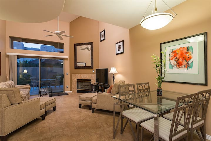 AZ Nirvana- 3 bedroom 3.5 bath Updated Town home in Gated Scottsdale Community