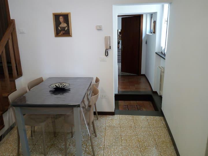 Appartamento in centro storico -LUISA-
