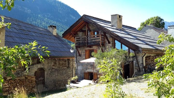 Belle maison voûtée en Clarée tout confort