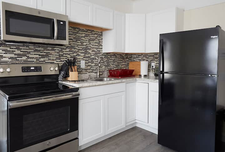 Private Apartment: 1 Bedroom w/ brand new kitchen
