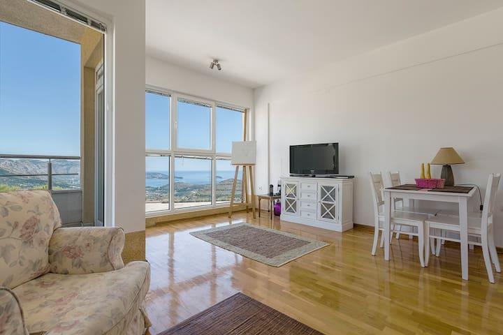 Luxury 2BR apartment-stunning views near Dubrovnik