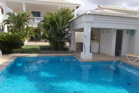 LINDA CASA, 3 suites, ALTO PADRÃO - Casa