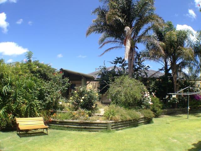 Sanctuary: beautiful and peaceful - Hilton - Bed & Breakfast