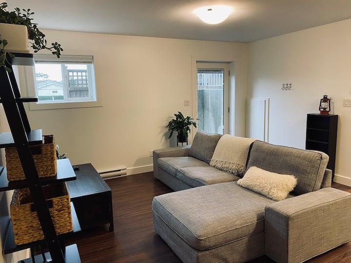 Cozy Esquimalt Guest Suite Minutes from Waterfront