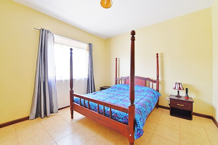 Garden Court Apartment #4 - Kampala - Byt