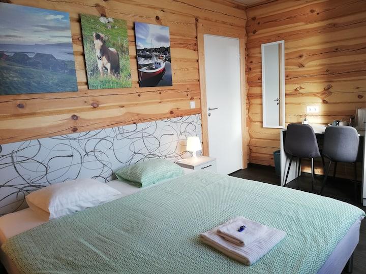 Gøtugjógv Log House, Private room 3