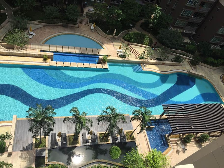 High floor with pool view
