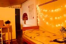 eigene Schlafzimmer+Dusche+ kostenfreie Parkplatz