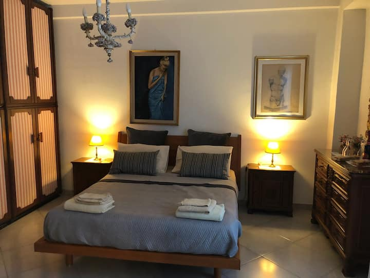 Elegante Appartament  Napoli Centro con Tv Netflix