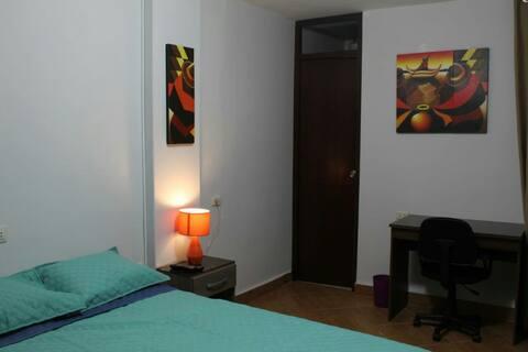 Acogedor alojamiento en casa familiar PiscoParacas