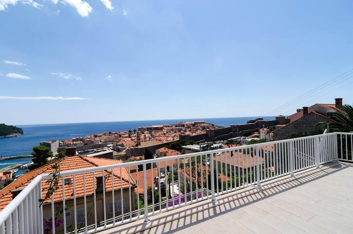 Lux St. John`s Mansion Next to Medieval City Walls - Dubrovnik - Dům