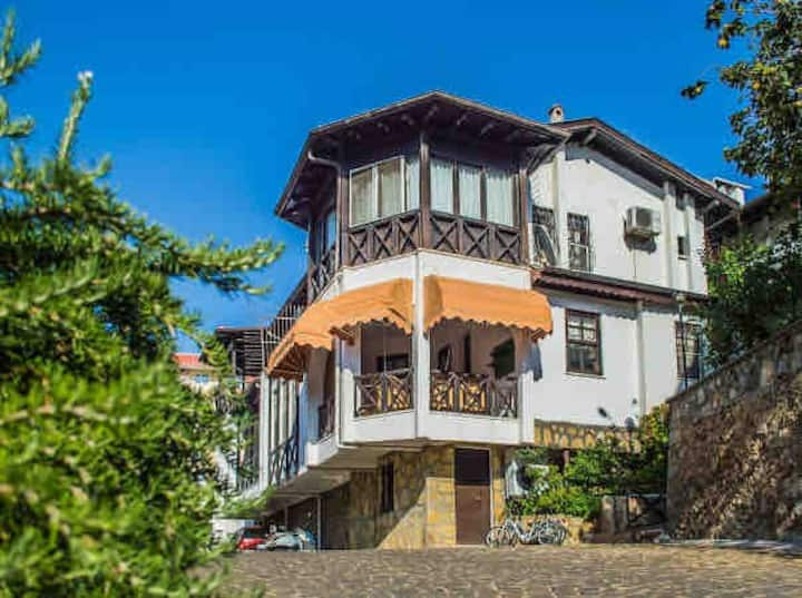 Detached villa in a walking distance to the sea.