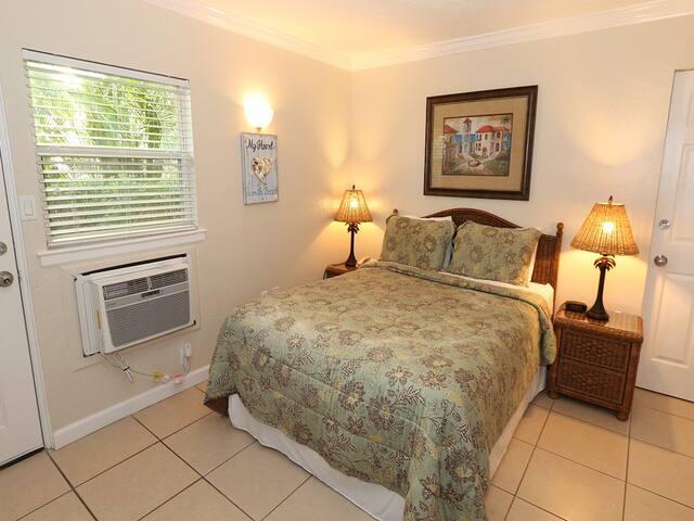 Silver Sands #245A: HOTEL / 1 BA Resort on Longboat Key by RVA, Sleeps 2
