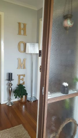 Cozy En suite Sweet Home - Mill Park - Hus