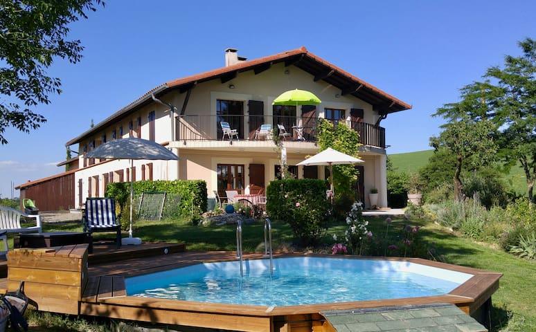 Ideal Family Space, on the Via Garona