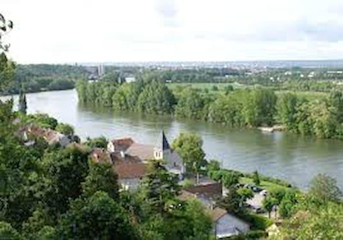 Grand 2-p très calme à 23km de Paris