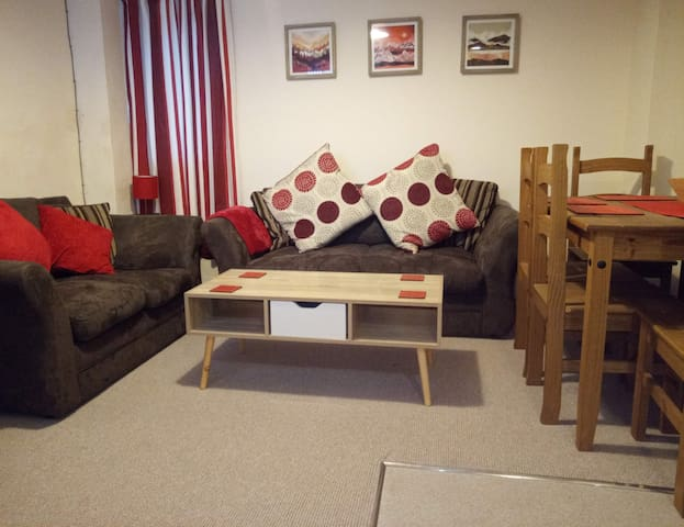 Cosy 2 bed apartment on edge of the Lake District