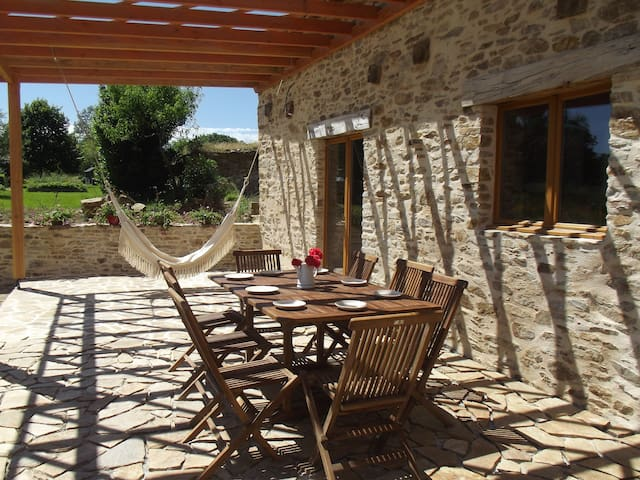 Great views, Modern & Very quiet!!! - Chalais - Casa vacanze