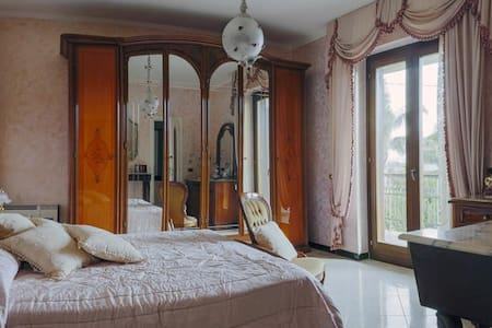Camera matrimoniale bagno privato - Quadrivio