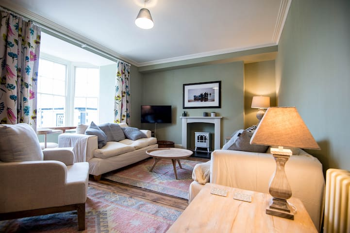 ❤️Luxurious Townhouse In Centre  - w/ S-King Beds