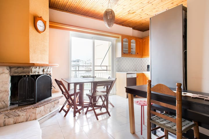 Cozy,safe area, near Mass Transit - Agios Dimitrios - Apartamento