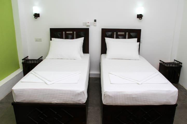Yalaway Hide Resort - Deluxe Double Rooms - Kataragama - Huis