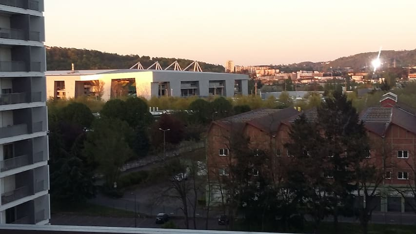 Appartement à 2min (500m) stade - Saint-Étienne - Pis