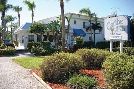 Caribe Beach Resort. Sanibel, FL - Sanibel
